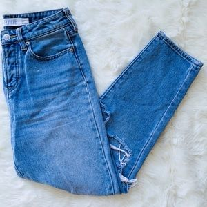 SALE ✨ Brandy Melville Cropped Ripped Mom Jeans 25